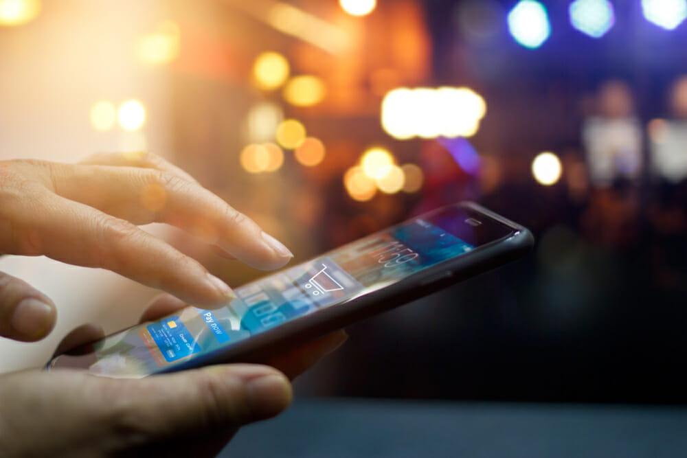 Auch beim Online Shopping über Smartphones ist Sicherheit wichtig.